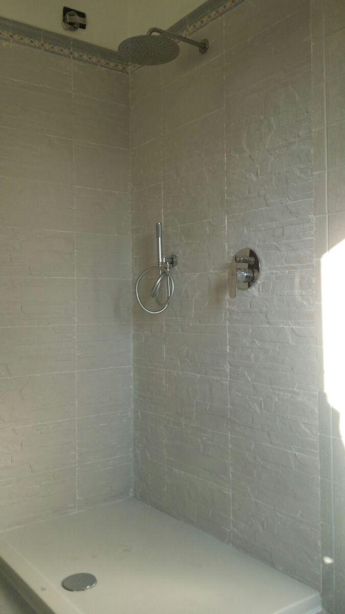 """CoCoter snc: fotografia """"Trasformazione della vasca in una doccia"""""""