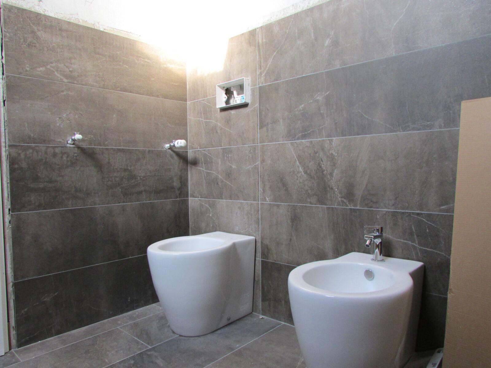 """CoCoter snc: fotografia """"Ristrutturazione bagni con marmo"""""""