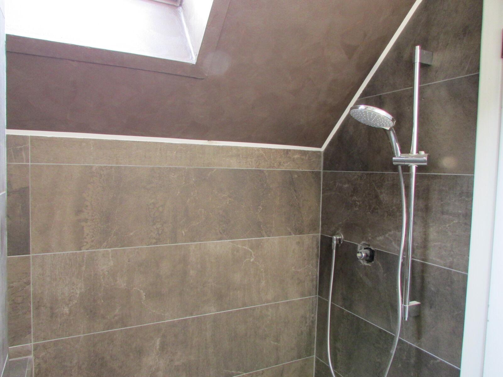 """CoCoter snc: fotografia """"Ristrutturazione doccia con marmo"""""""