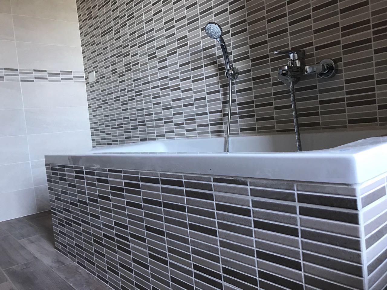"""CoCoter snc: fotografia """"Ristrutturazione vasca con doccia"""""""
